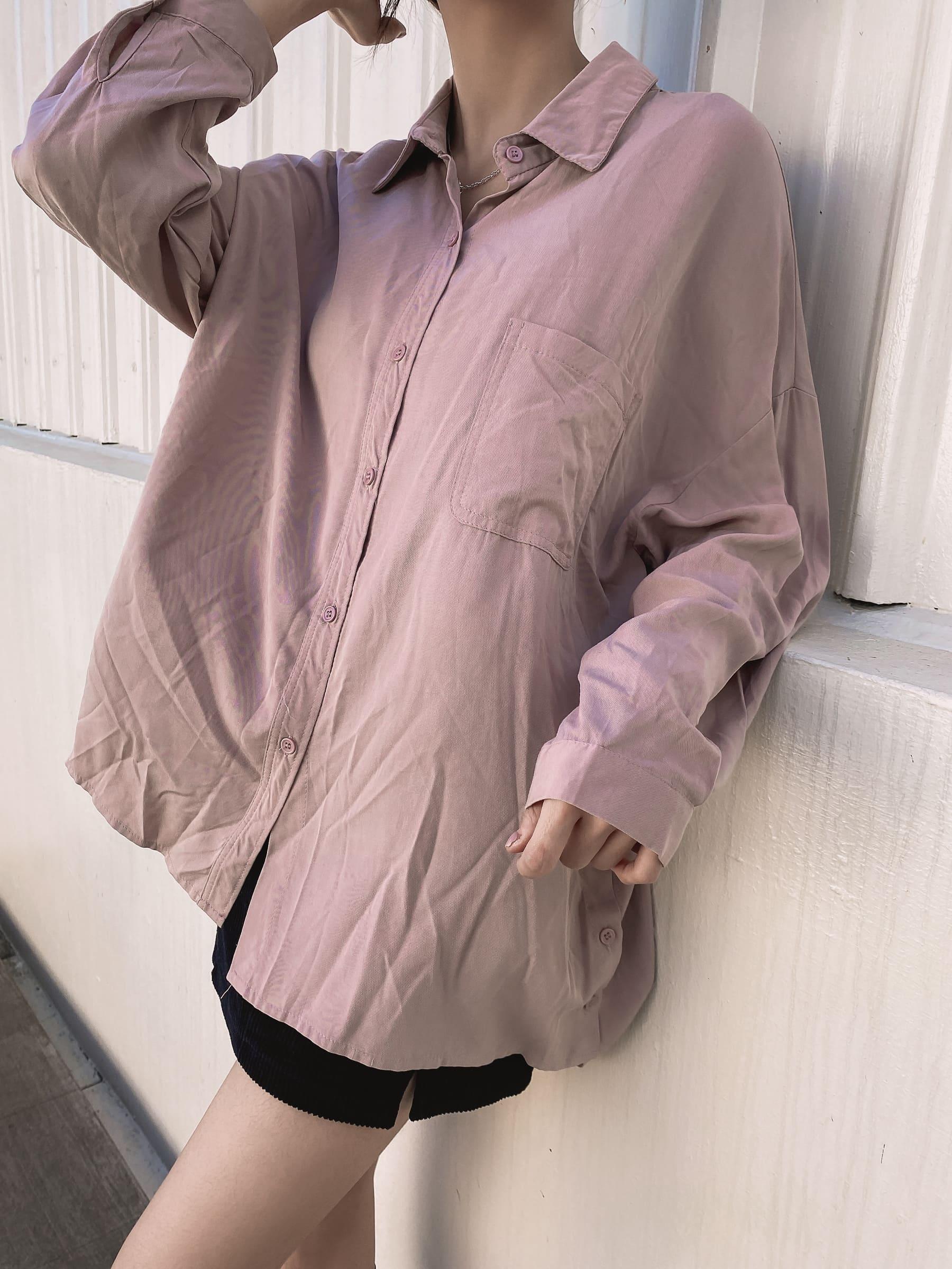 柔軟側邊釦設計襯衫