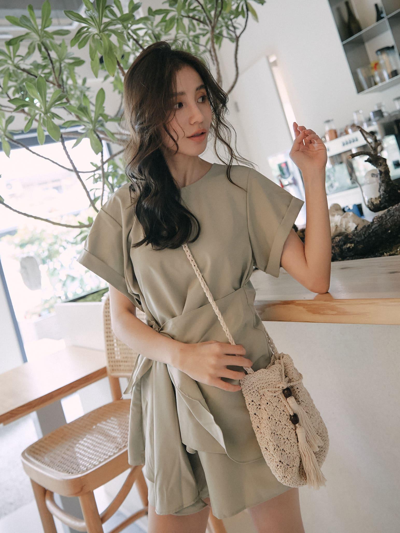 韓系氣質綁帶連身+短褲 套裝