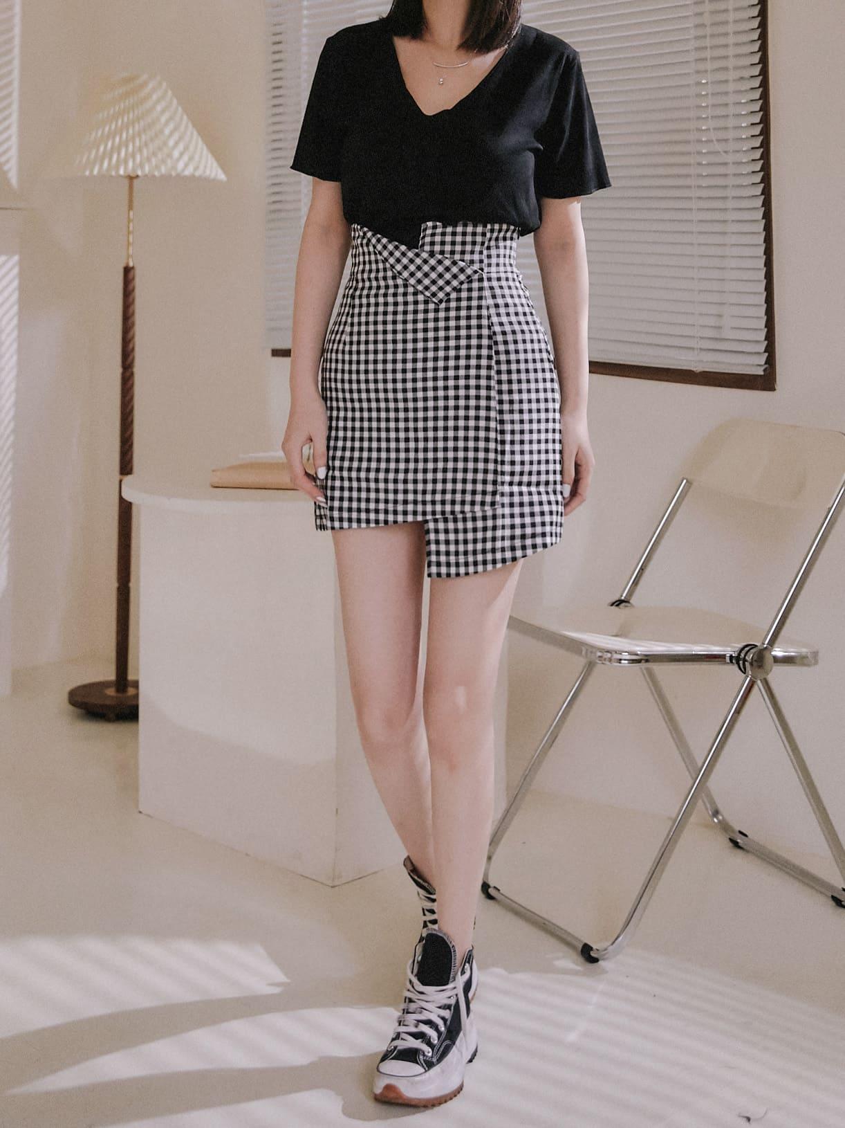 細格紋翻摺設計短裙 / 1 colors