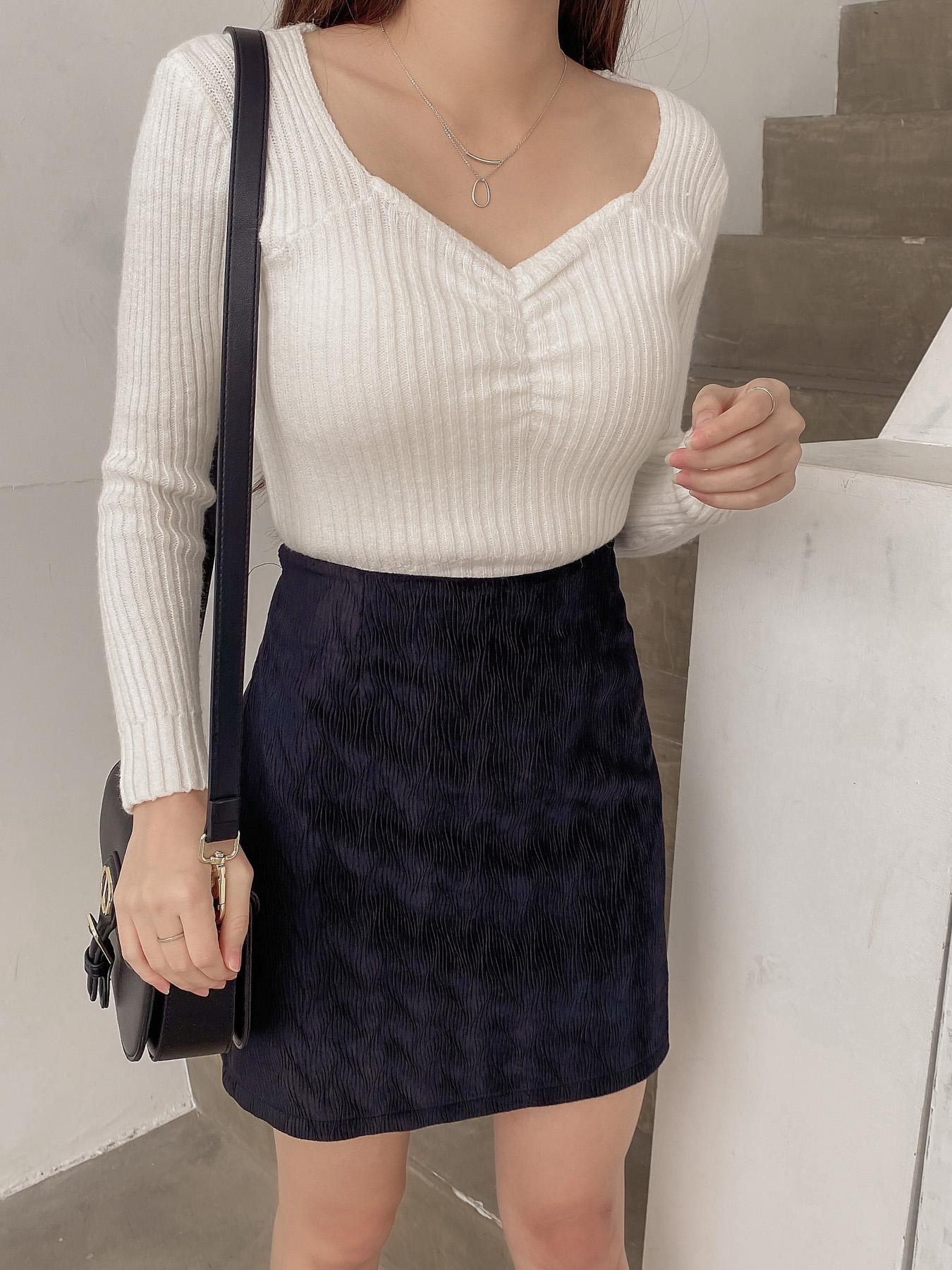 絨質紋理A字裙