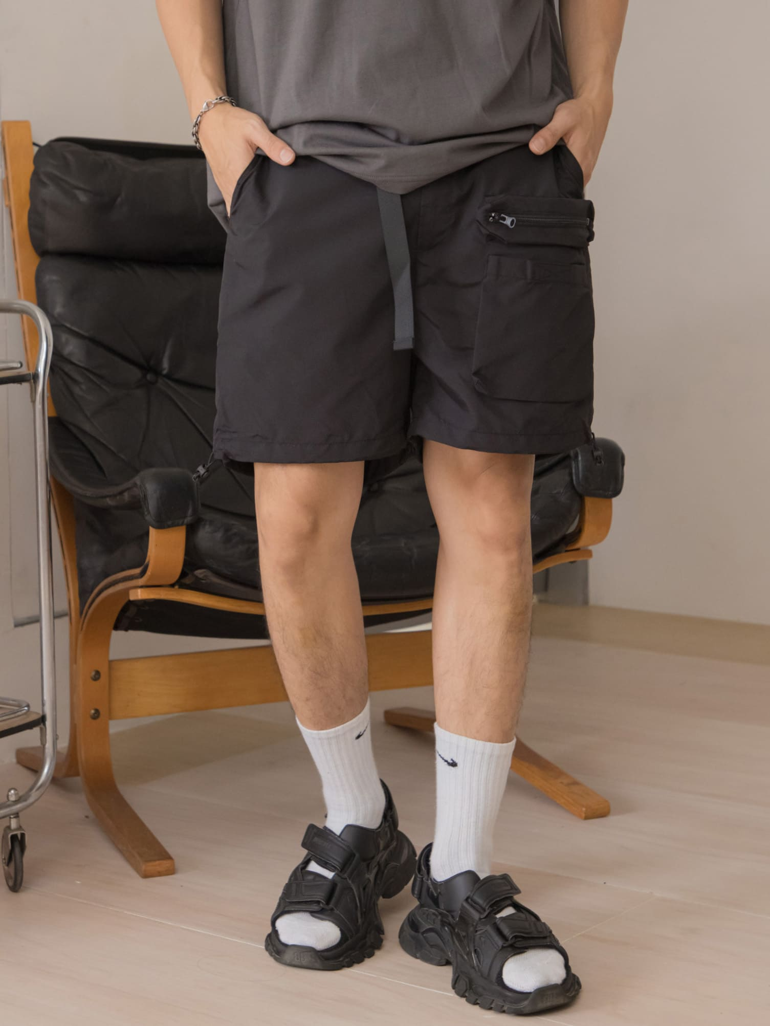 防水面料多口袋腰帶短褲