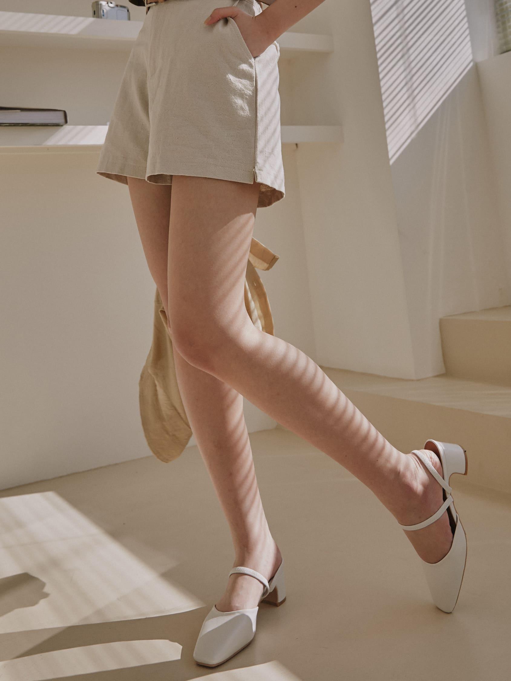 歐尼2穿低跟鞋