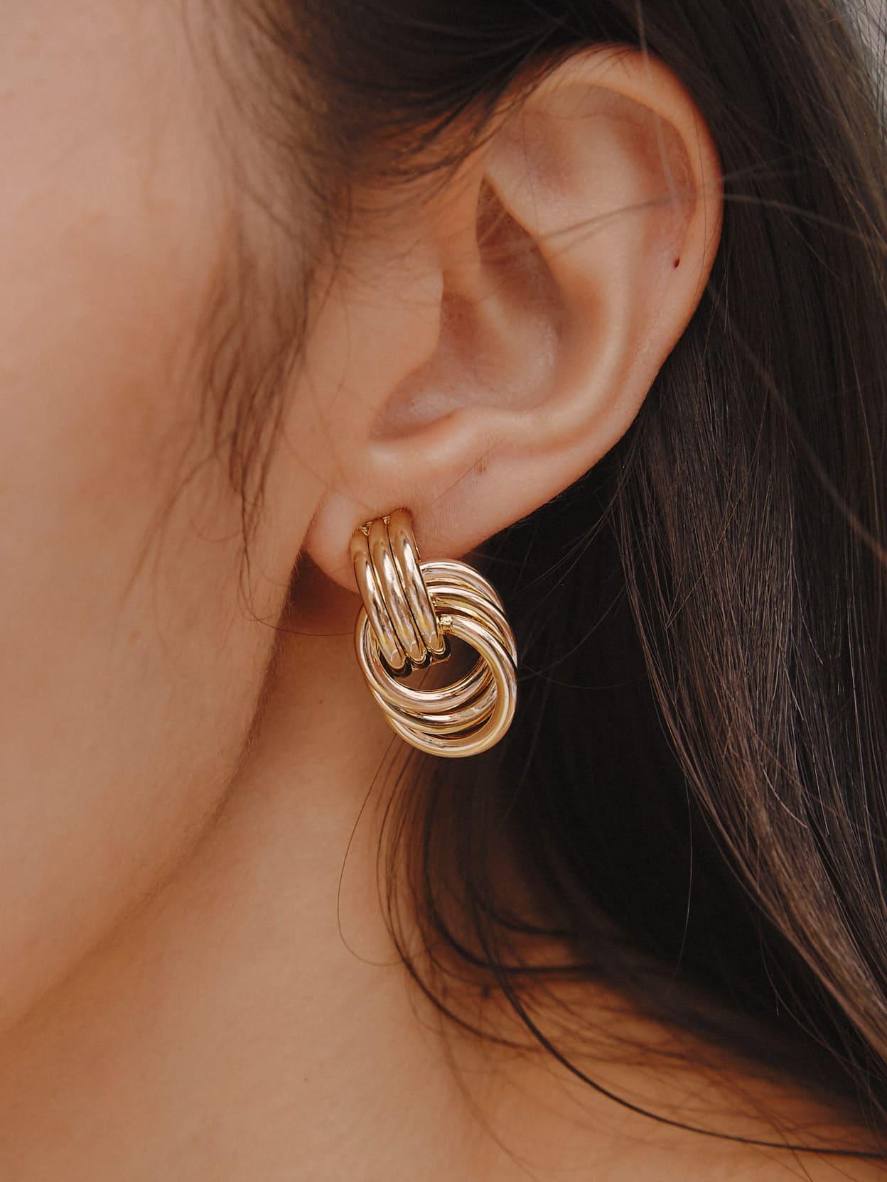 交錯扭結耳環