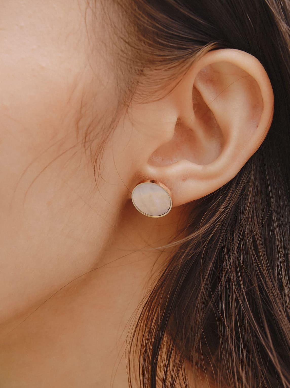 貝殼光澤耳環(12mm)
