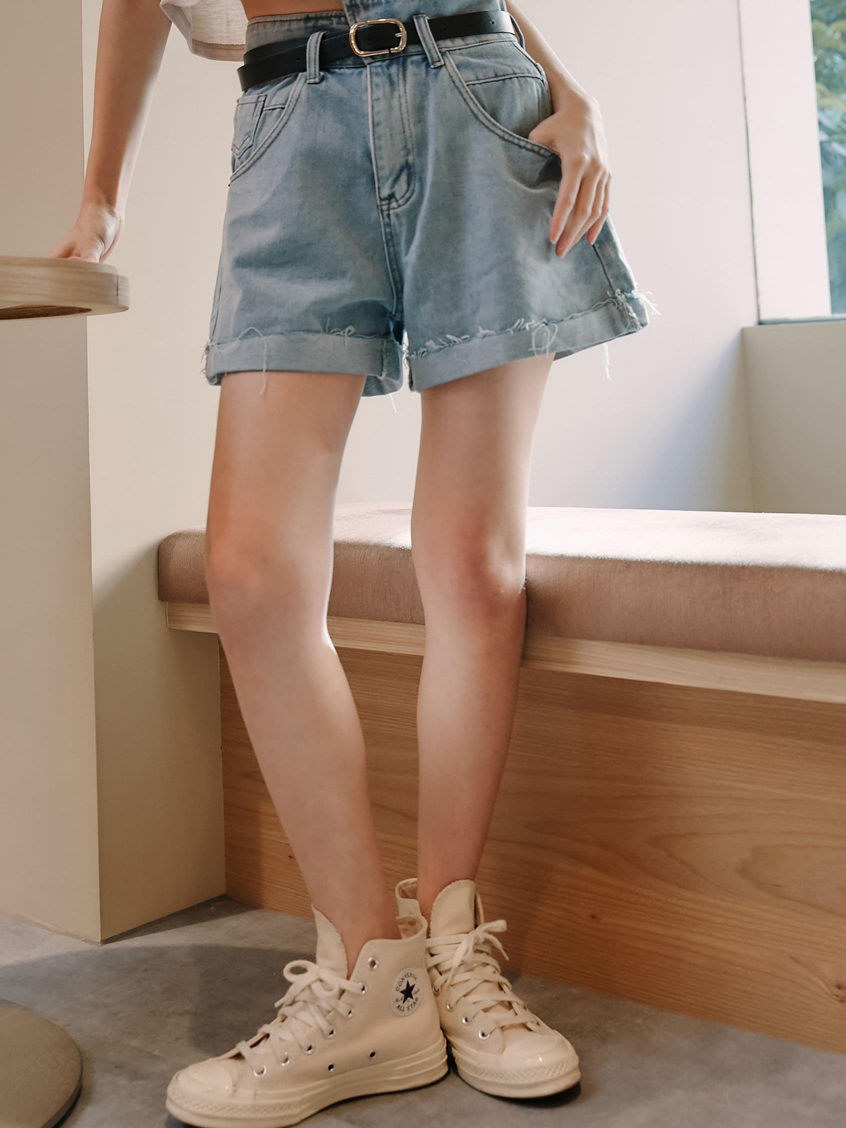 美式高腰牛仔短褲(附皮帶)